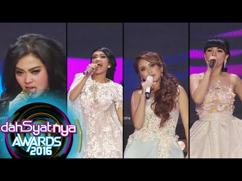 Gaya Nyebrang Ala Syahrini, Zaskia, Ayu, & JuPe [Dahsyat Awards 2016] [25 Jan 2016]