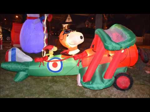 Airblown Snoopy Inflatable in huge plane Christmas Peanuts