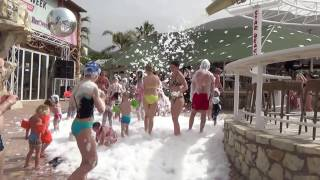 Отдых в Греции. Остров Крит(Стар Бич - одно из самых популярных у туристов мест на солнечном острове Крит!.. Этот видео-сюжет в мае 2016-го..., 2016-10-11T16:27:25.000Z)