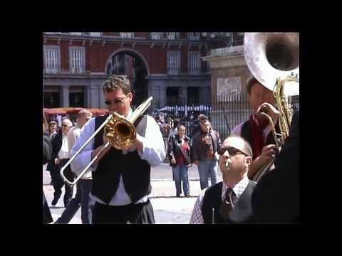 MÚSICOS en la Plaza Mayor de Madrid