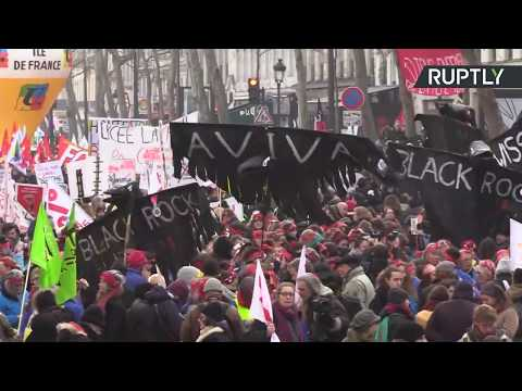 RT: French unions call for protest in Paris over pension reforms