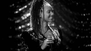 Alicia Keys & Kelly Clarkson - Feelin' Good (Nina Simone cover)