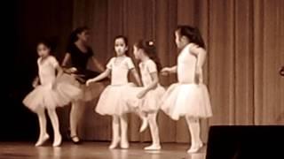 Umbrella Ballet Dance performance by Luiza Mayumi Part 2