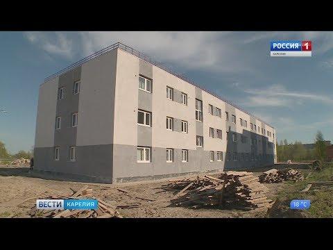 В Пудоже уже почти полгода стоит полупустой новый дом