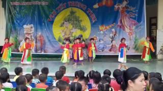 Các bé lớp 5 tuổi múa