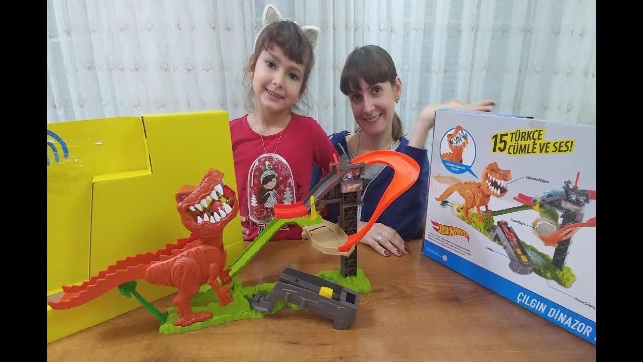 Cars ! Metal Machines T-Rex Dinosaur with Hot Wheels! Videos for Children