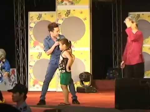 Ca sĩ phải chào thua với điệu nhảy của cô bé 7 tuổi