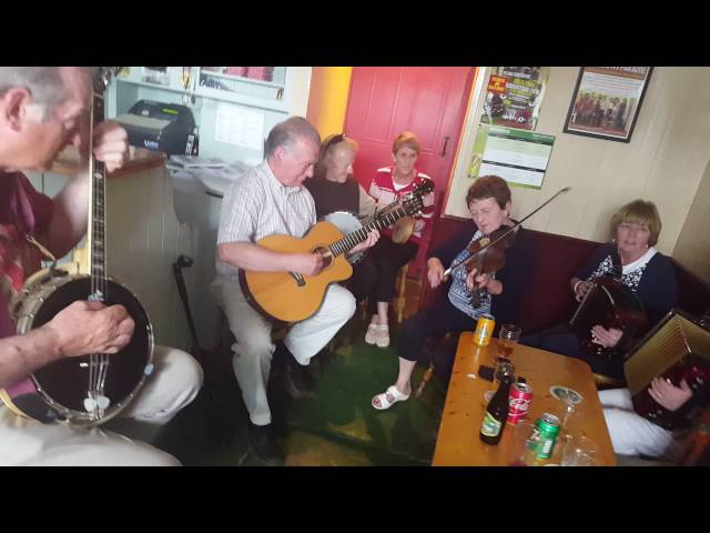 The Causeway Ramblers Music Group  playing in Parker's Pub, Kilflynn,  on Sunday 24th July 2016