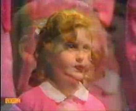 St Winifreds School Choir - Theres No-One Quite Like Grandma