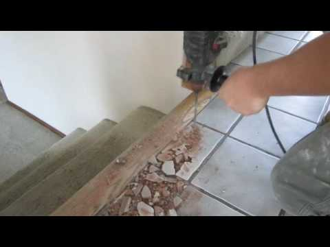 HOW TO REMOVE TILE WITHOUT DAMAGING SURROUNDINGS - YouTube