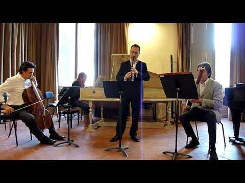 Vivaldi - Sonata for recorder and bassoon rv 86, 1st mov't (Largo)