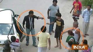 Man Brandished Gun Publicly To Threaten Woman - India TV