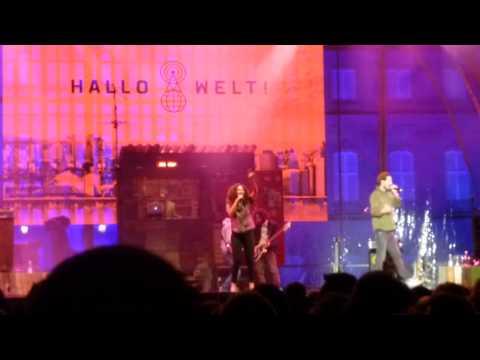 """Max Herre & Friends u.a. """"Hallo Welt!"""" & """"Esperanto"""" Live @ Schlossplatz Stuttgart Part 1/6"""