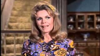 """Série """"A Feiticeira"""" - Atriz Elaine Cristina dublando - 7ª temporada, 1971"""