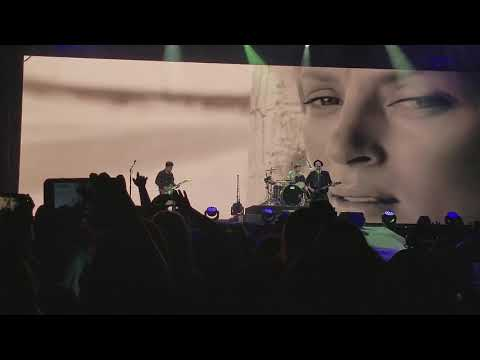 Fall Out Boy - Uma Thurman | MANIA Tour | Cleveland, OH 10/20