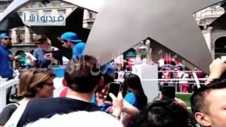 بالفيديو 'كأس دوري ابطال اوروبا معروض للجماهير بوسط مدينه ميلانو قبيل ساعات من النهائي الذي تستضيف