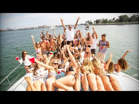 Luxury Yacht Party 🎊 🚤 [Epic Life]