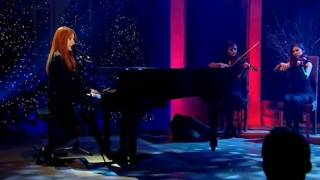 Tori Amos on  Alan Titchmarsh Show 3 Dec 2009 plays A Silent night with You