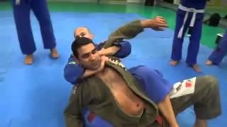 Jiu Jitsu - Exame de faixa branca para azul thumbnail