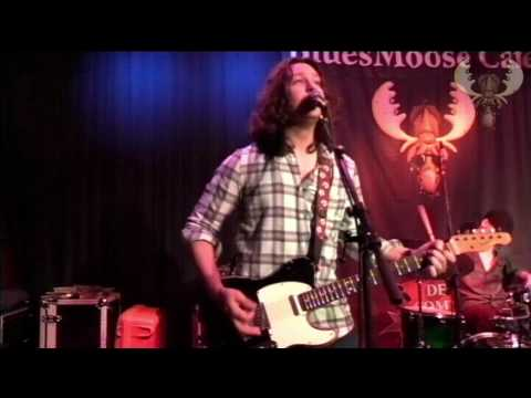 Davy Knowles - Outside woman Blues -  Live at bluesmoose radio