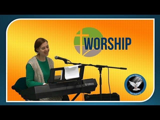 Worship. (Laura Balabane)