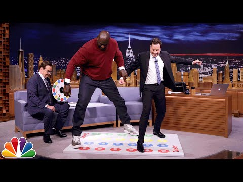 JellO Shot Twister with Shaquille O'Neal