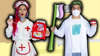 WIIZINHO FINGE SER DENTISTA E FRANZINHA BRINCA DE MÉDICA  Kids Pretend Play Dentist With Toys