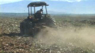 Valtra Tractors Chopping