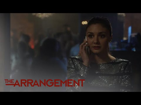 Kyle West Catches His Assistant Zach on a Burner Phone | The Arrangement | E!