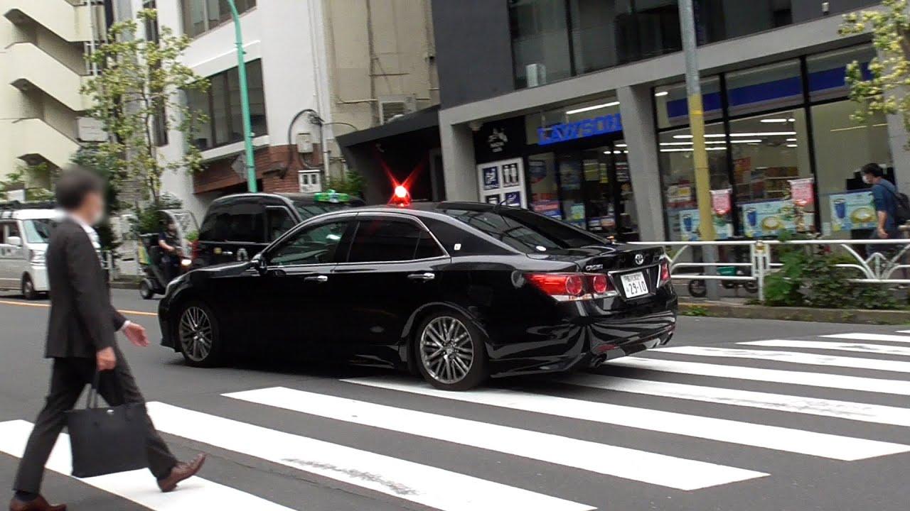 【歩行者妨害】危険!横断中の歩行者を縫うように走る傍若無人の車輛に暖かく見守る覆面パトカー隊員が鬼と化した瞬間!