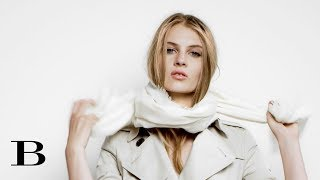 How to tie a scarf: The Girl's Cravat