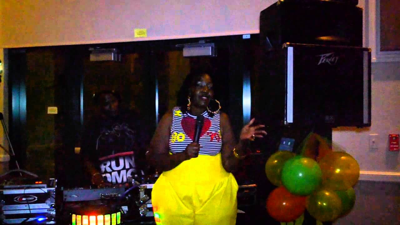 Tianna greene 39 s 80 39 s 90 39 s r b hip hop 40th birthday party for 90 s party decoration ideas