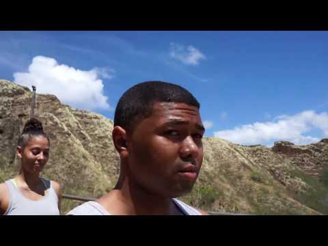 Hiking Hawaii's Diamond Head trail