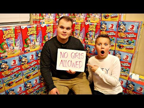 CEREAL BOX FORT! No Girls Allowed!