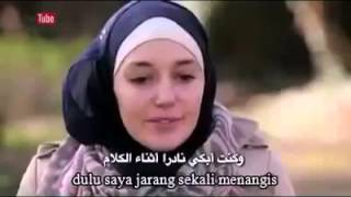 Gadis Muallaf Asal Perancis ini Menagis