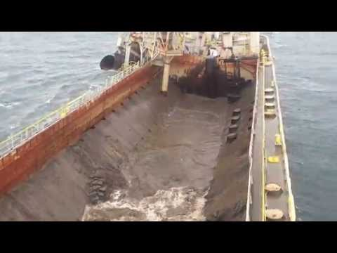 Split Hopper Barge Tiger - Discharging at sea