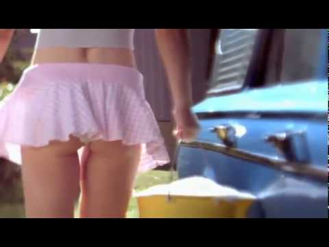 Fille sexy lave voiture - YouTube