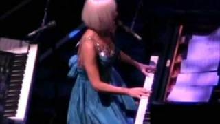 "Tori Amos ""She's Your Cocaine"" live in Chicago, IL  11/5/07  PART 2"