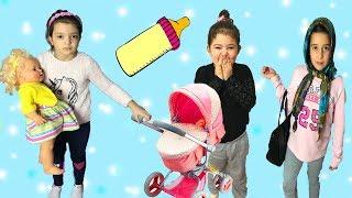 MASAL BEBEKLERİNE BAKICI ARIYOR! BAKICIYLA KOMİK ANLAR - Eğlenceli Çocuk Videosu Comedy for Kids