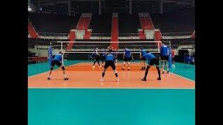 Тренировка сборной России по волейболу