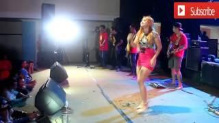 Download Video LIHAT  Sasha Aneska Lagi Pamer Paha menggoda Idola Dangdut HOT JOGJA MP3 3GP MP4
