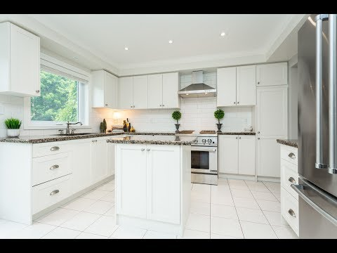 FOR SALE    189 Fellowes Crescent - Waterdown, Ontario, Canada
