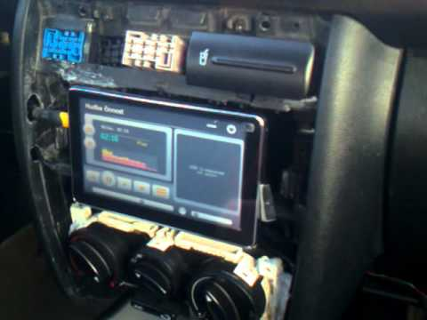 Gps dealextreme in seat toledo youtube for Mueble 2 din seat leon 1m