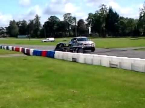 terry grant in a nissan juke doing stunts at scottish modified car show 2011