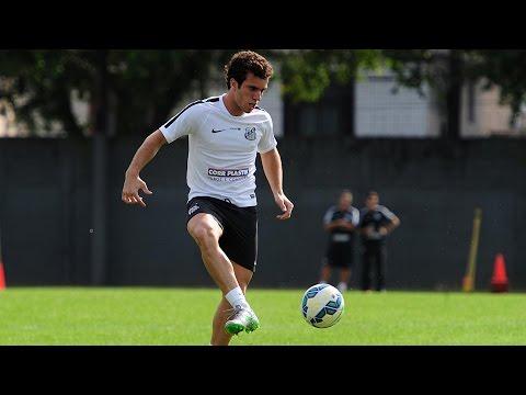 Serginho estende contrato com o Santos FC