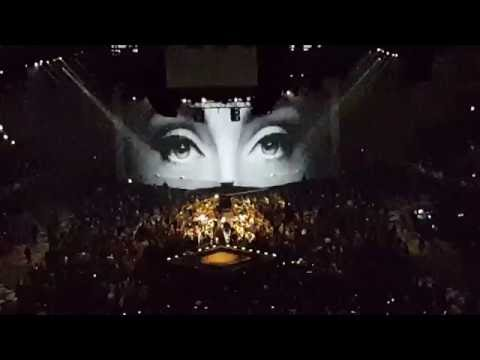 Adele - Hello (LIVE Barcelona 2016)
