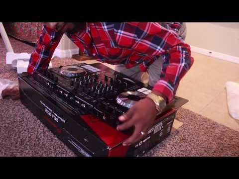 PROFESSIONAL DJs VLOG #1: Unboxing New DJ Equipment