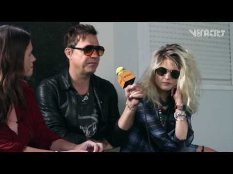"""We rely on each other's strenghts"" The Kills Interview at NOS Alive '17"