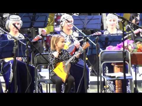 Настя Тюрина 6 лет в с Липецким Государственным оркестром русских народных инструментов