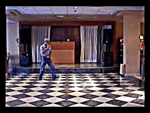 BAILE DEL COYOTE CHUS - YouTube